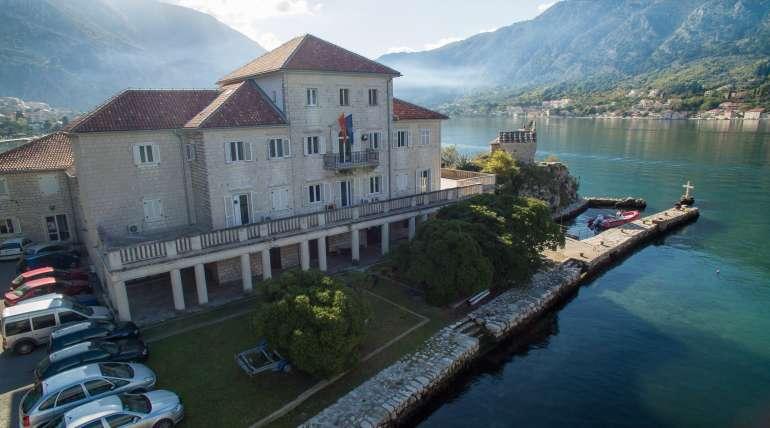 """Radionica """"Staništa i zaštita morskih i obalnih područja u Crnoj Gori"""" održana u Kotoru"""